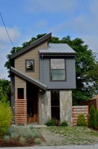 Skinny Houses